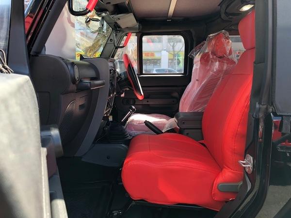 2007y ラングラー・ルビコンx赤レザー調シートカバー