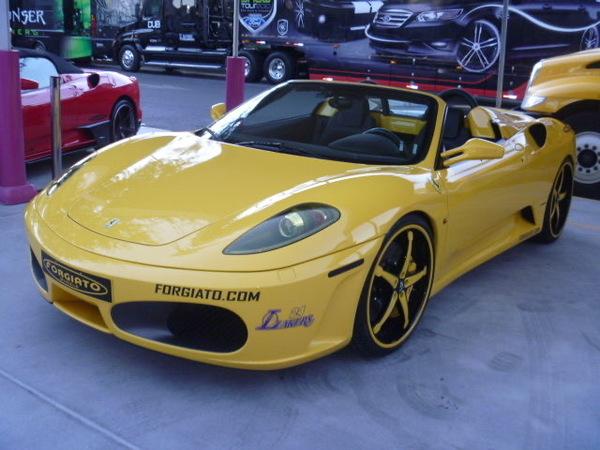 フェラーリにトヨタにジープに!!!