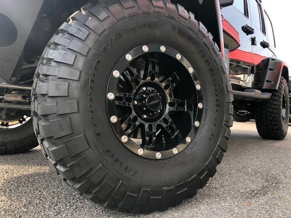 JKラングラーアンリミテッドx37インチタイヤのサムネイル
