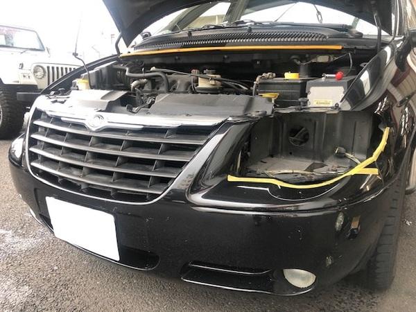 RGボイジャー、ヘッドライト修理とJLアンリミ、バンパー交換。